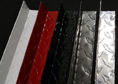 The Metal Link Diamond Plate Inside Corners